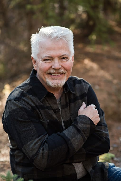 Singer Songwriter Mike Rhodes